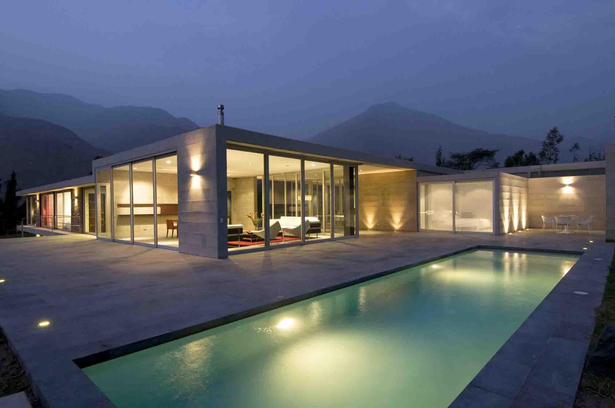 Types de piscine construire ma maison for Piscine couloir de nage