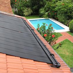 le chauffage piscine solaire construire ma maison. Black Bedroom Furniture Sets. Home Design Ideas