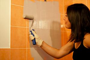 Comment faire des travaux de renovation de maison petits for Peindre un carrelage mural