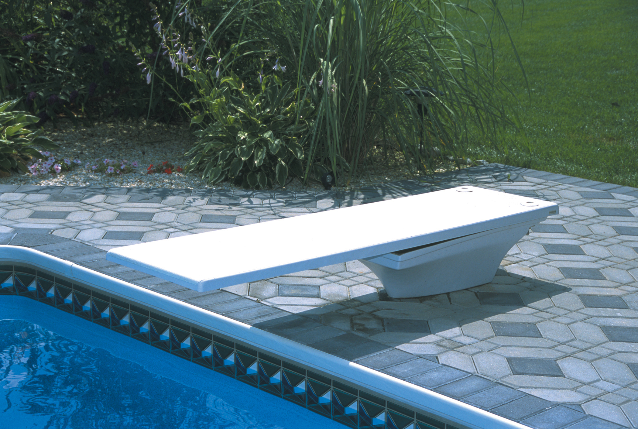 Toboggan et plongeoir de piscine construire ma maison for O piscine de martin