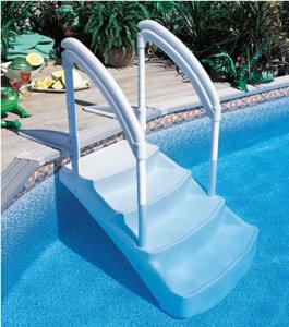 echelle escalier accessoire piscine