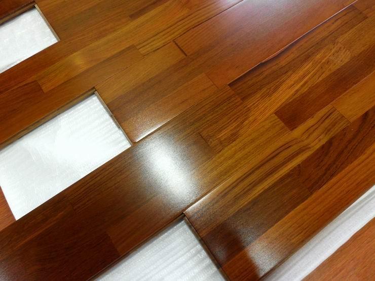 le plancher flottant construire ma maison. Black Bedroom Furniture Sets. Home Design Ideas