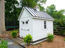 construire abri de jardin blanc