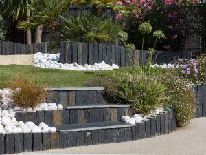 La pierre Infercoa quartzite noir pour dessiner son jardin